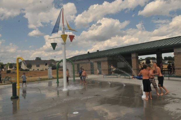 Children playing in the water at the Valley View Park Splash Pad